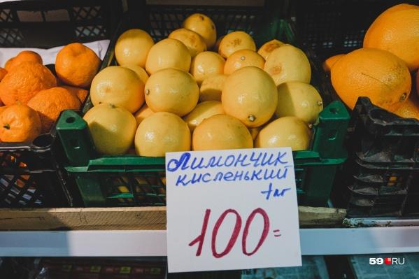 Весной 2020-го цены на лимоны подскочили в три-пять раз, но потом вернулись к привычным значениям — около ста рублей за килограмм