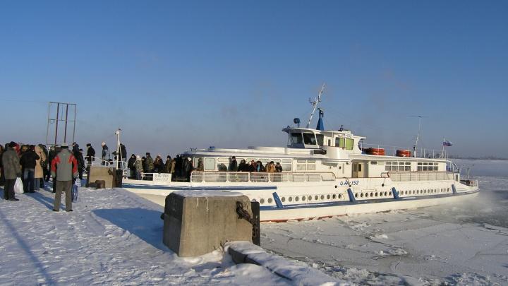 Воды в Волге нет: в Волгограде встал на прикол маршрут речного трамвая
