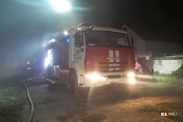 Пожарные работали по повышенному рангу