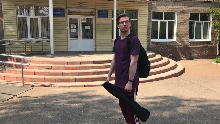 Под защитой пенсионного войска: UFA1.RU проверил, может ли в уфимских школах повториться трагедия Казани