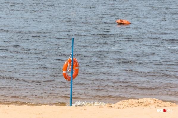 """У Самары уровень воды в Волге опустился до <nobr class=""""_"""">28,27 метра</nobr>"""