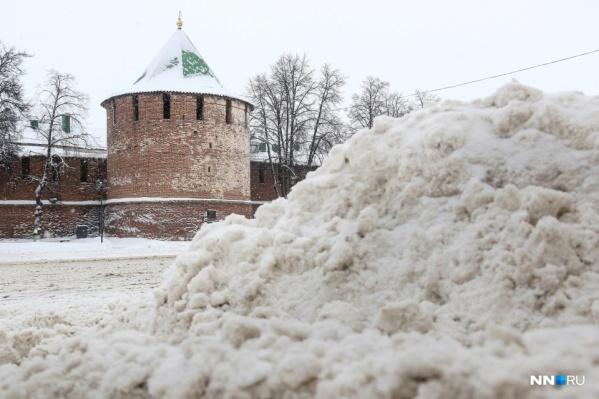 Каждый сильный снегопад оборачивается для Нижнего Новгорода дорожным коллапсом и десятибалльными пробками