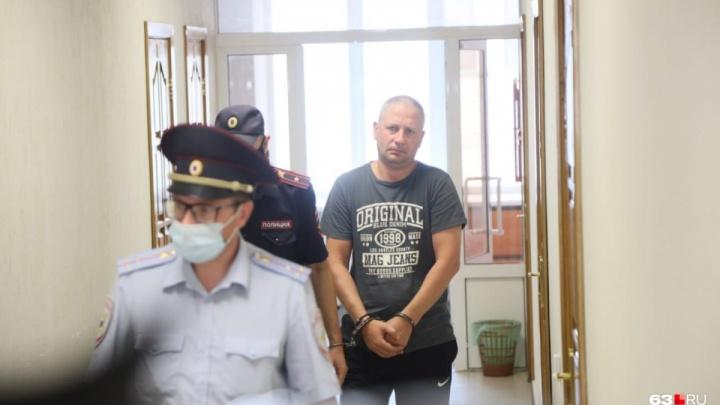 Полицейского, который убил школьницу в Петра Дубраве, увезли из Самарской области