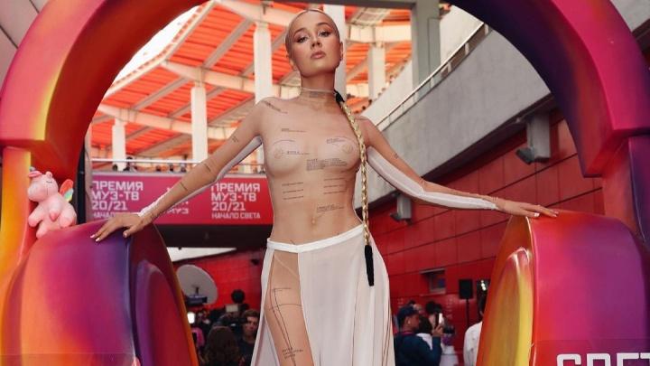 Уральская певица Клава Кока вошла в сотню самых сексуальных женщин страны. Подборка горячих фото
