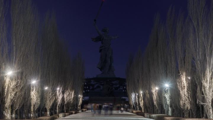 «Замкнуло, что ли?»: Волгоград присоединился к всемирной акции «Час Земли»