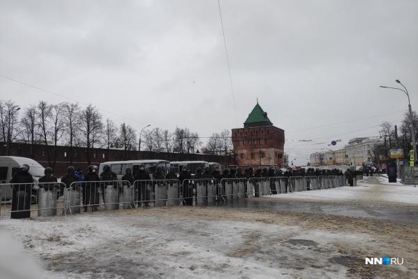 Сейчас площадь временно закрыта для проезда автотранспорта