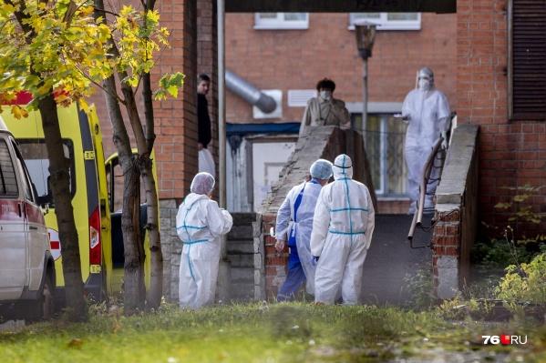 Вакцинация среди сотрудников скорой помощи в Ярославле составила больше 60%