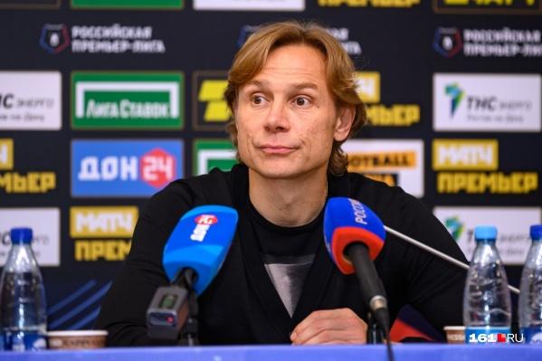 Валерий Карпин заявил, что в других условиях на совмещение не согласился бы ни он, ни РФС