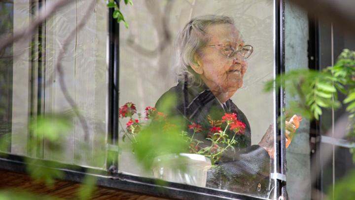 Всем пенсионерам выплатят по 10 тысяч рублей. Когда ждать деньги?