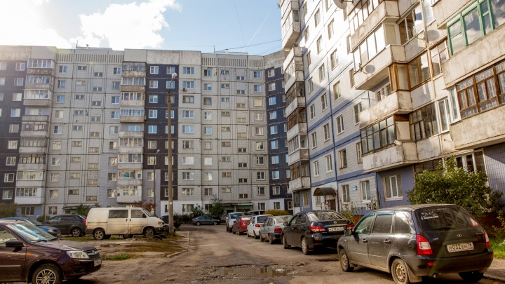 Гаражи, автомобили и квартиры: судебные приставы распродают имущество ярославских должников