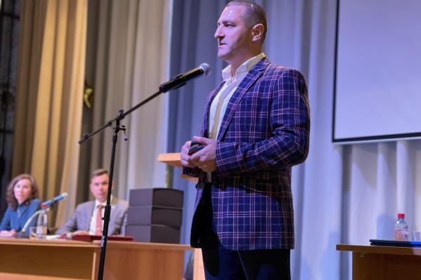 Депутат Александр Ильтяков заключил необычное соглашение с зауральцами