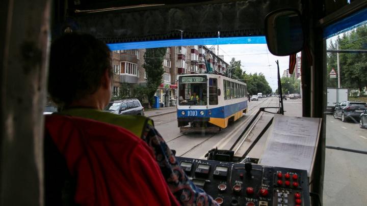 «Просто город не хочет нам помочь». Сотрудники депо — о кризисе трамваев в Уфе
