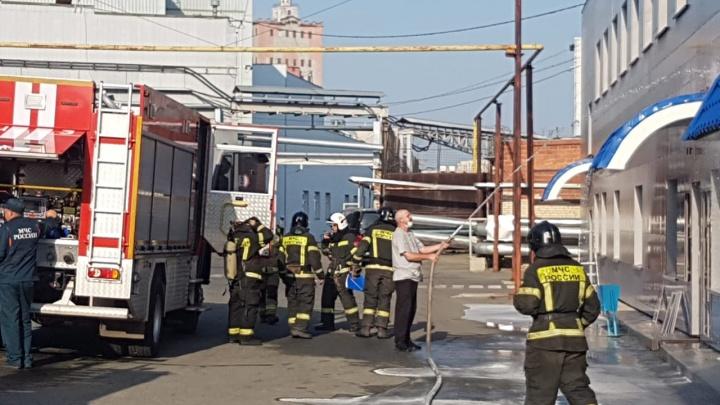 В Челябинске из-за задымления эвакуировали сотрудников «Макфы»
