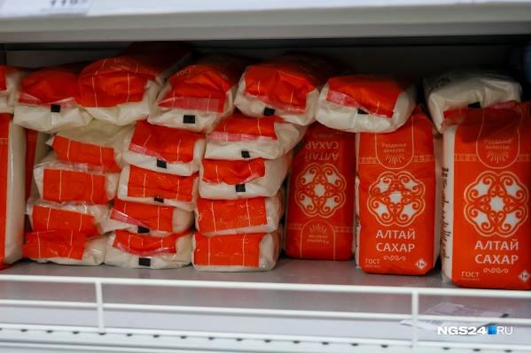 Сахар красноярцы начали скупать после сообщений о дефиците