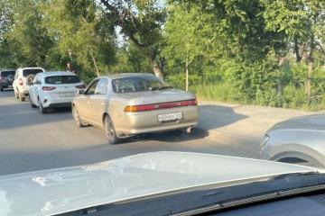 На записи регистратора видно, что аварию спровоцировал водитель старой Toyota <nobr>Mark II</nobr>