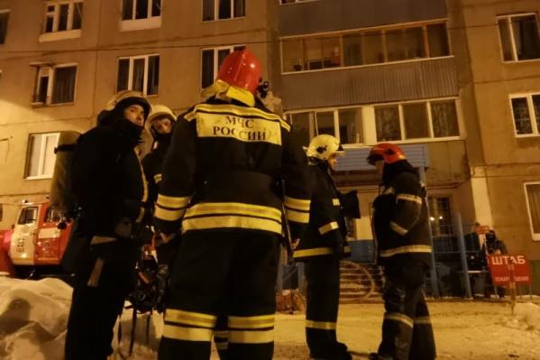 Пожар вспыхнул в два часа ночи, огонь пожарные смогли потушить только к семи часам утра