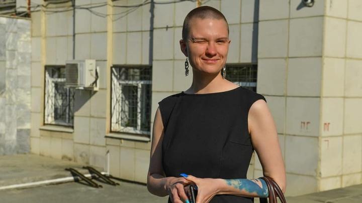 «Трансгендер, чудо-эксперт, лысая лесбиянка». Юрист из Екатеринбурга ответила рассерженным комментаторам
