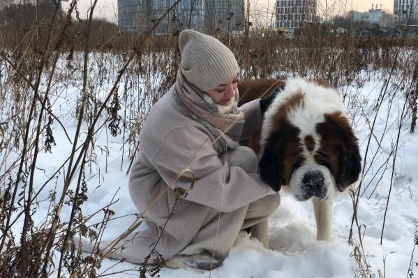 Никто не хотел брать взрослую, большую и больную собаку, но теперь у нее есть дом и любящая семья
