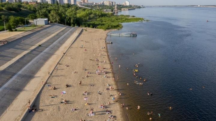 Отдыхать — можно, купаться — нет: жителям Волгограда разрешили приходить на набережную Тулака