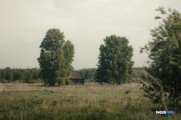 Колыванский район, как и другие районы Новосибирской области, стремительно умирает. Деревень здесь с каждым годом становится всё меньше и меньше