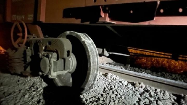Ущерба почти 10 миллионов: в Волгограде возбуждено дело по факту схода вагонов грузового поезда
