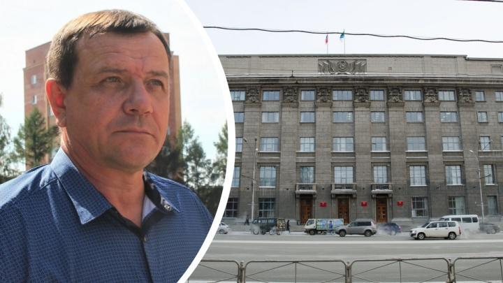 Названа месячная зарплата, которую получал задержанный по делу о взятках директор новосибирского УКС