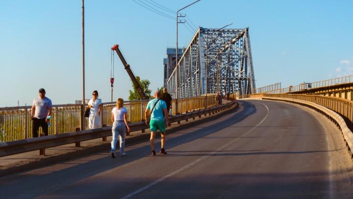 С 15 по 28 июня Северодвинский мост будет открыт для пешеходов, но строго по графику