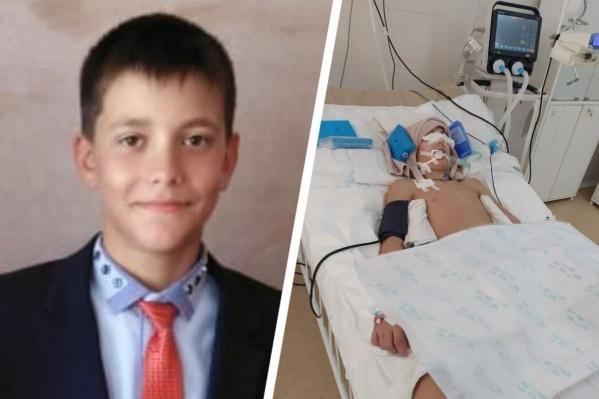 После падения на соревнованиях по борьбе 13-летний мальчик почти два месяца находился в коме, но так и не пришел в сознание