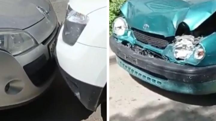 Девушка на десятисантиметровых шпильках устроила массовую аварию во дворе в Юго-Западном