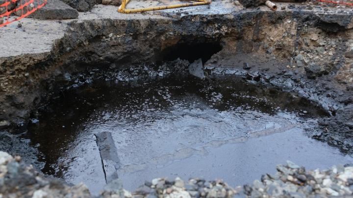 «Всё может попасть в реку». Ученый — об опасности от цистерн с мазутом, найденных под землей в центре Перми