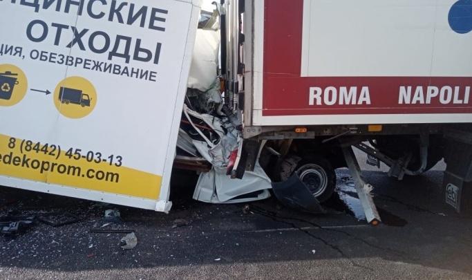 Шансов не было никаких: в полиции рассказали подробности ДТП с четырьмя грузовиками под Волгоградом