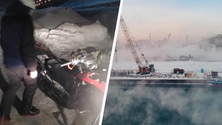 Спасатели помогли пьяной паре новосибирцев, которые в полночь застряли на снегоходе на Оби