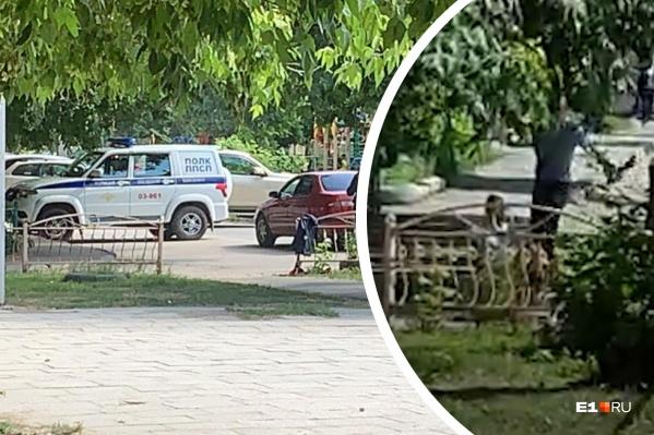 Конфликт со стрельбой произошел во дворе жилого дома, где гуляли дети