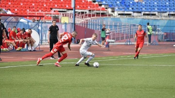 «Беспринципное судейство убивает футбол!»: Глава ФК «Енисей» требует аннулировать матч с Хабаровском