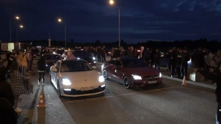 В Екатеринбурге стритрейсеры показали видео, как устраивают гонки на ЕКАД