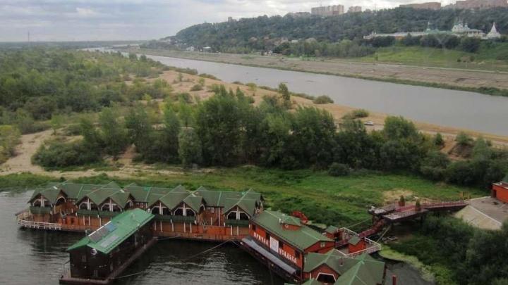 В Нижнем Новгороде загорелась Усадьба Банная