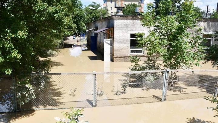 «Без него кто бы тут какие разрешения выдал». В Горячем Ключе возмутились словами губернатора о затопленных домах