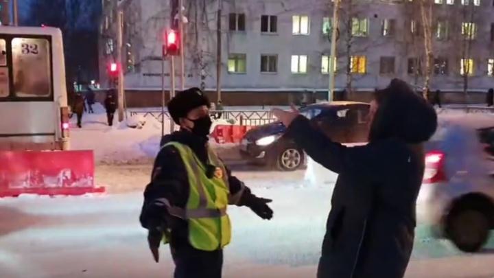 Взбунтовались пешеходы. В Ярославле перекрыли проспект Машиностроителей: что происходит за Волгой