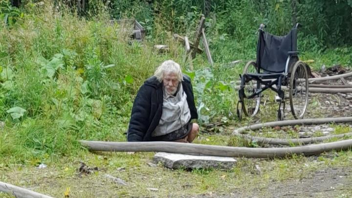 Из горевшего дома в переулке Водников эвакуировали бездомного архангелогородца
