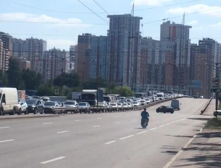 "Скриншот видео из группы <a href=""https://vk.com/wall-68471405_15372786"" class=""io-leave-page _"" target=""_blank"">«ДТП и ЧП   Санкт-Петербург»</a>"