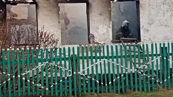 Погорельцы из села Каракуль отказались заселяться в гостиницу «Русь». Вместо них там ночевали пожарные