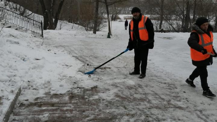 «Мы вас закошмарим»: подрядчик, раскритикованный властями за уборку Челябинска, ответил на претензии
