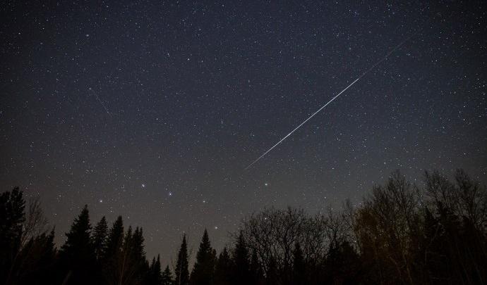 Загадывайте желание: уральцы смогут увидеть метеорный поток