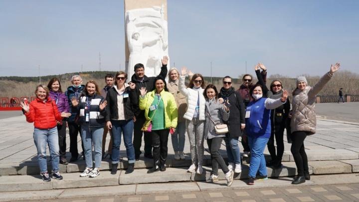 Туристы из крупных российских городов приехали в Кузбасс на экскурсию. Это первый брендовый тур в регион