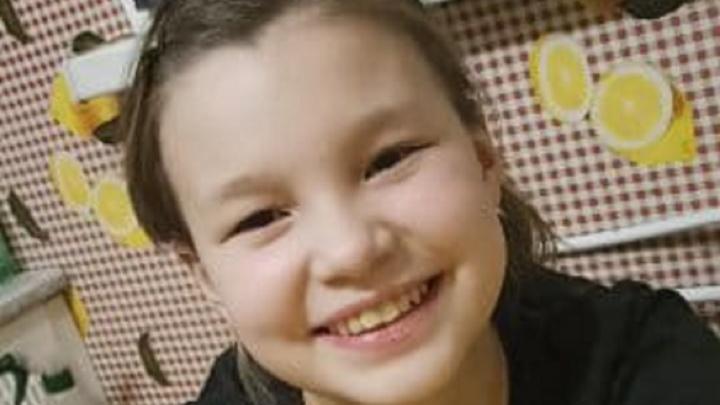 На Синих Камнях 13-летняя девочка ушла из дома вечером и пропала