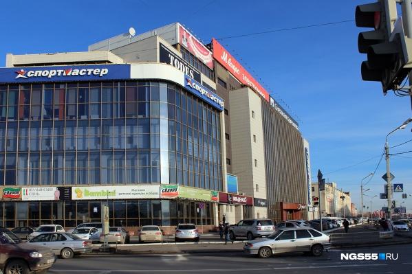 После инцидента у торгового центра мать с дочкой уже выписали из больницы