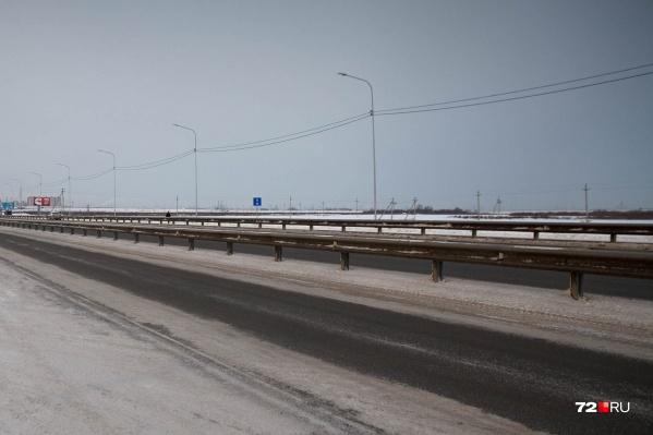 Женщина из Тюмени, как и водитель, который ее сбил на трассе