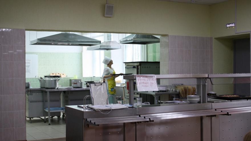 В курганских больницах еду хранили с нарушениями
