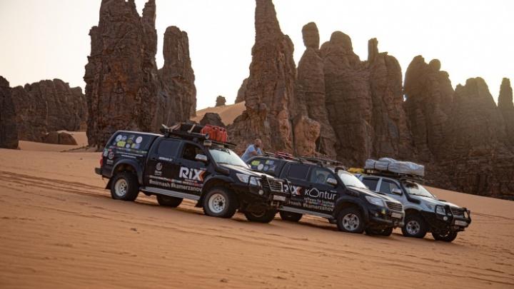 «Круг замыкается, мы ждем»: уральские туристы, задержанные военными в Африке, не могут вернуть машины