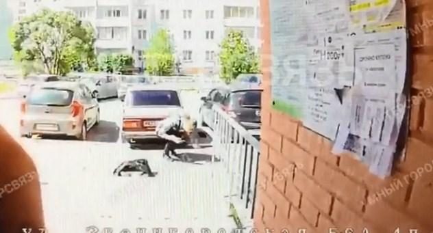 В Челябинске избили курьера с пиццей, приехавшего на адрес доставки